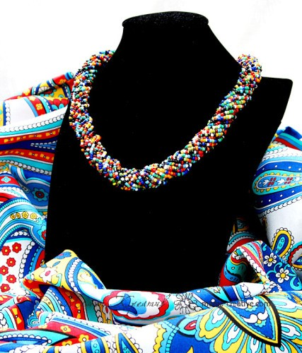 бисерное ожерелье