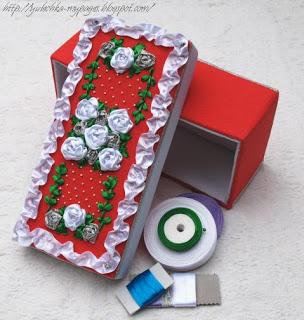Коробка с вышивкой лентами