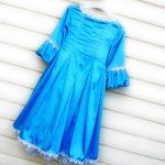 Голубое, атласное, девичье — платье в горошек