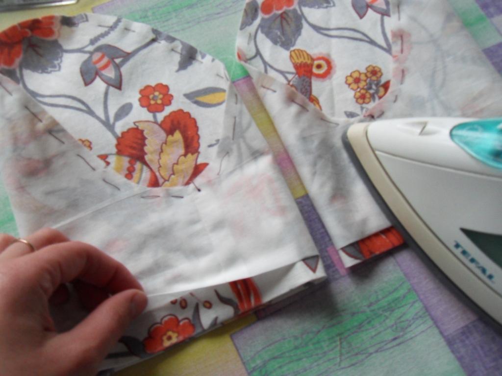 Как пришить подкладку к платью без рукавов