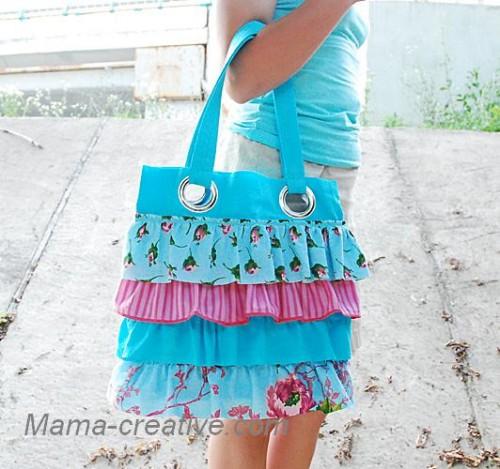 Голубая сумка с оборками