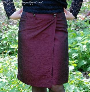 Бордовая юбка, ткань тафта