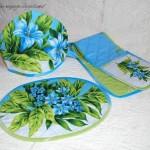 Кухонные комплекты из ткани — фартуки, прихватки, салфетки, грелки на чайник