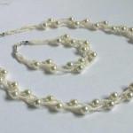Ожерелье и браслет: искуственный жемчуг и бисер.