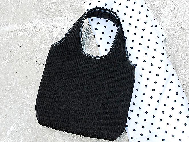 Черная вельветовая сумка