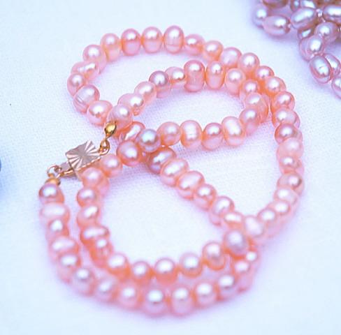 Ожерелье из розового жемчуга