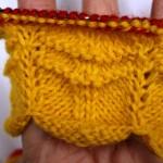 Рукодельные хитрости: вяжем спицами волнистую манжету для варежки