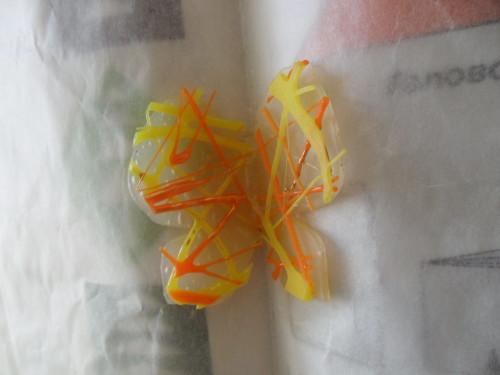 бабочка из горячего клея в подарок